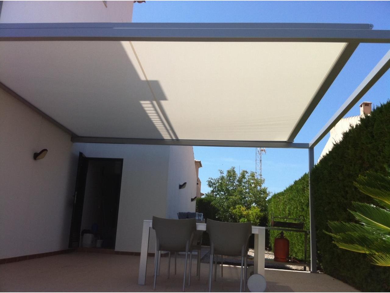 Verandas screenvogue screens barcelona for Guia aluminio para toldo